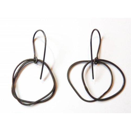 Elizabeth Chamberlain Hula drop oxidized silver drop earrings