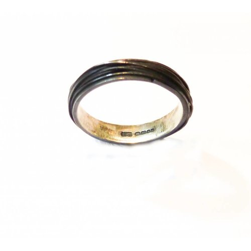 Elizabeth Chamberlain Thin wrap oxidised silver ring 2