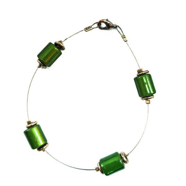 Bracelet Beaded green spaced -