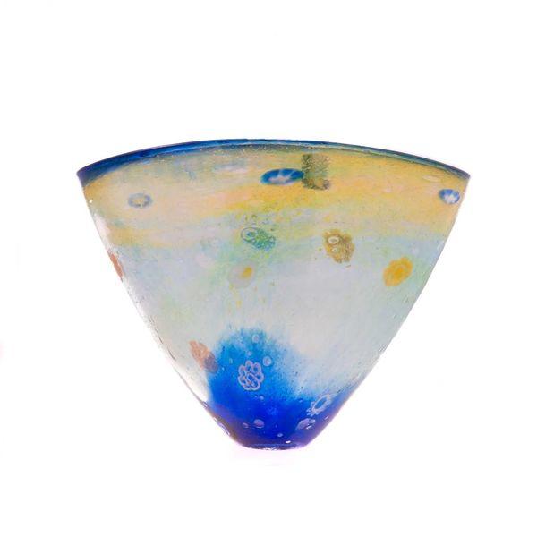 Salsa gran forma de V jarrón ltd. edición