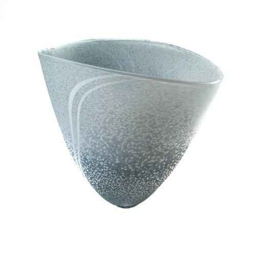 Martin Andrews Gran jarrón en forma de V de granito