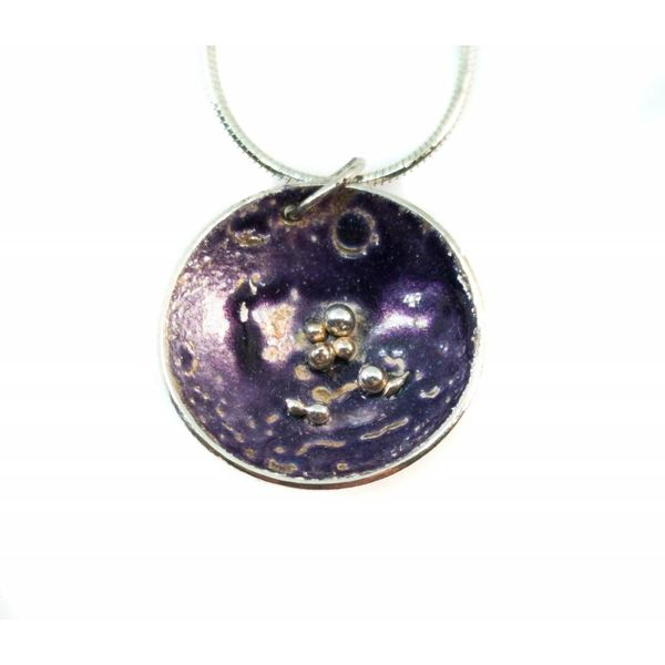 Round purple  silver and enamel necklace