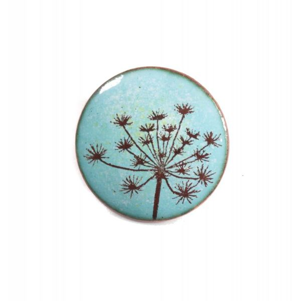 Brooch round seed