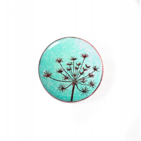 Brooch round seed