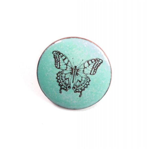 Brooch round butterfly