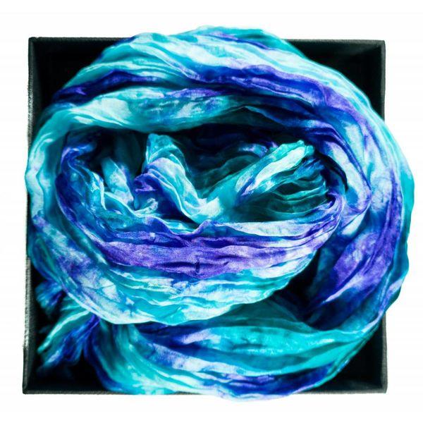 Bufanda de seda arrugada del Pacífico en caja