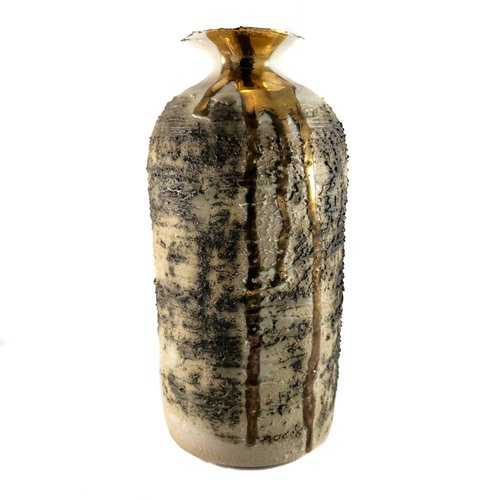 Alex McCarthy Strukturierter hoher Vasenform-Goldglanz