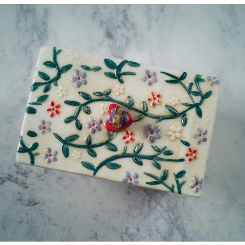 Katie Almond Tinket frondoso Cuadro con tapa Porcelana