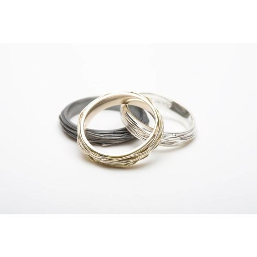 Elizabeth Chamberlain Thin wrap silver ring