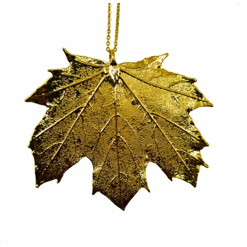 Roxburgh Canadian maple leaf pendant gold