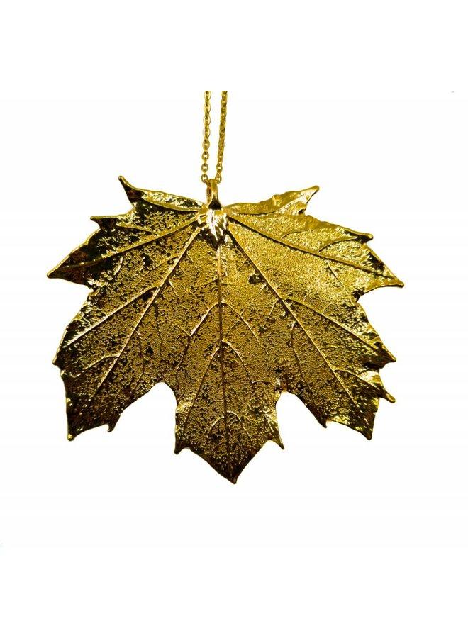 Canadian maple leaf pendant gold