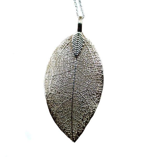 Magnolia Silver leaf pendant