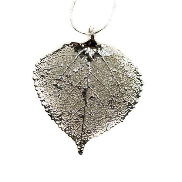Aspen leaf silver pendant