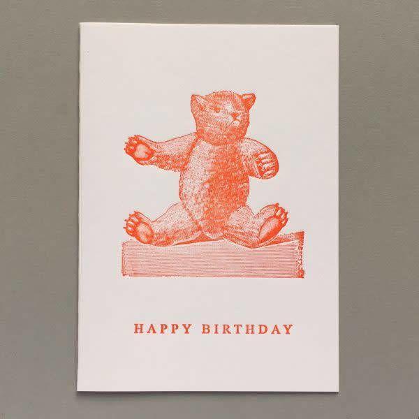 Teddy Happy Birthday tarjeta de tipografía hecha a mano