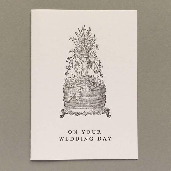 Handgemachtes Buchdruckkarten-Rosa des Hochzeitstag-Kuchens