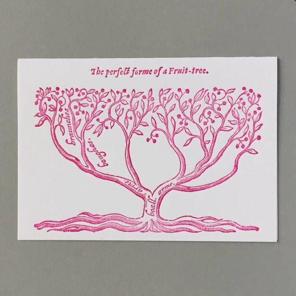 Tarjeta de tipografía hecha a mano de árbol frutal