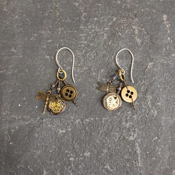 Magpie trinket dragonfly earrings