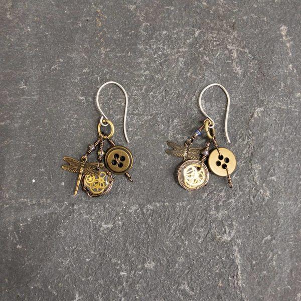 Magpie trinket dragonfly earrings