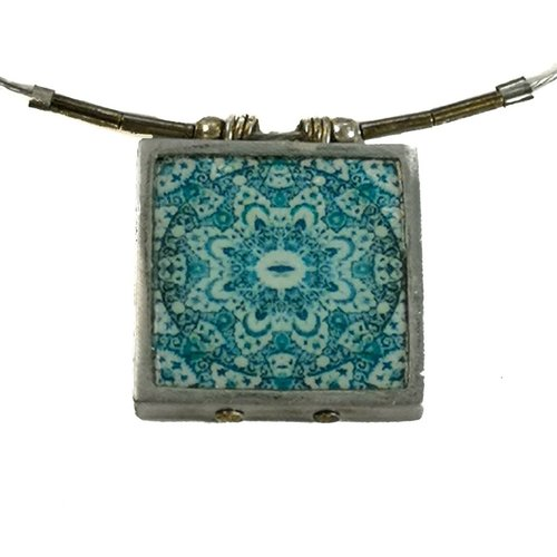 Noa Mandala square printed ceramic with frame necklace 0013
