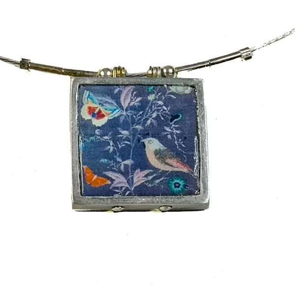 Birds square printed ceramic with frame necklace 001