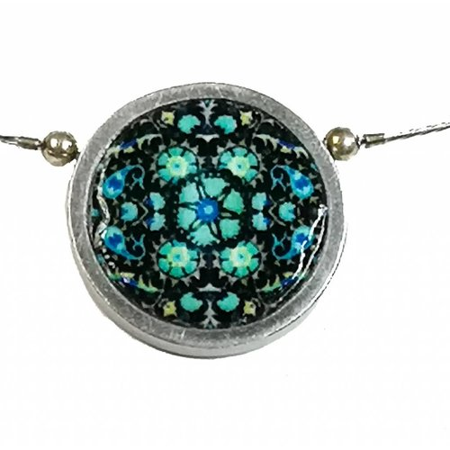 Noa Floral design Small Round Necklace 220