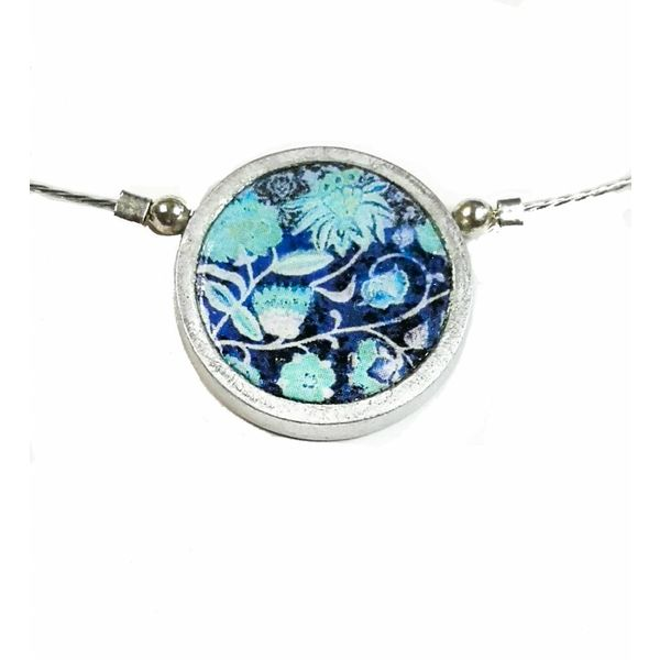 Floral blues small round necklace 210