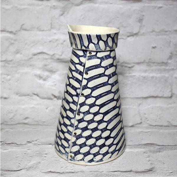 Peony Vase Gothic Dot