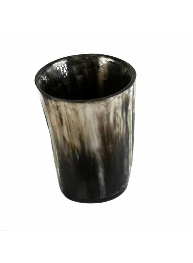 Tot- oder Vasen-Ochsenhorngefäß 2.