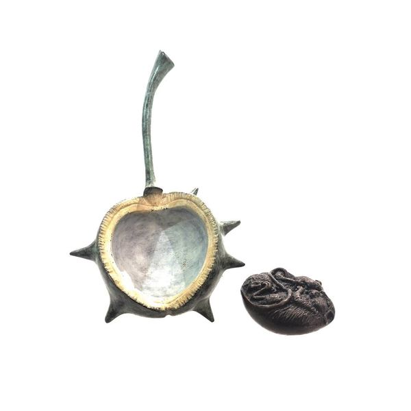 Mouse in conker colour patinated