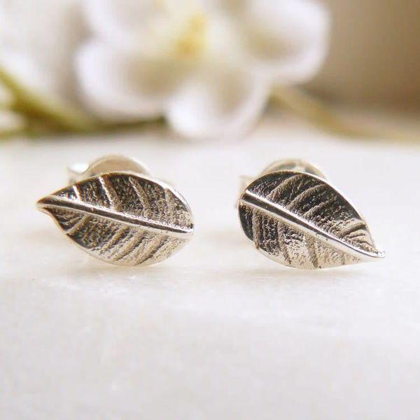 Leaf stud silver earrings