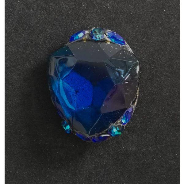 Vintage blue brooch 98