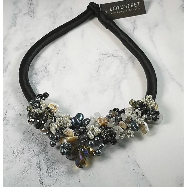 Black and white beaded satin necklace 032