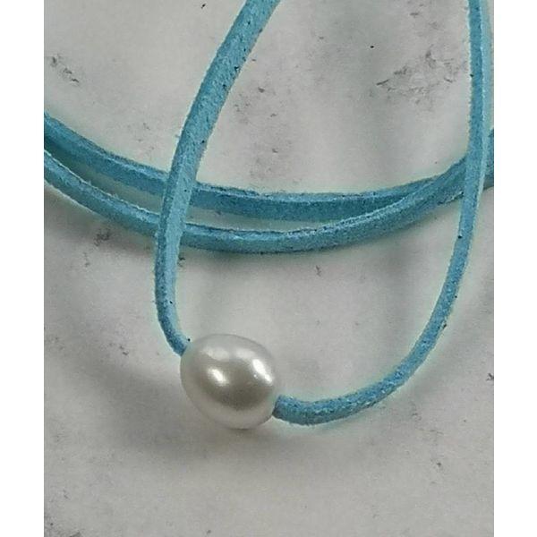 Süßwasserperlenblauer Wildlederanhänger 042