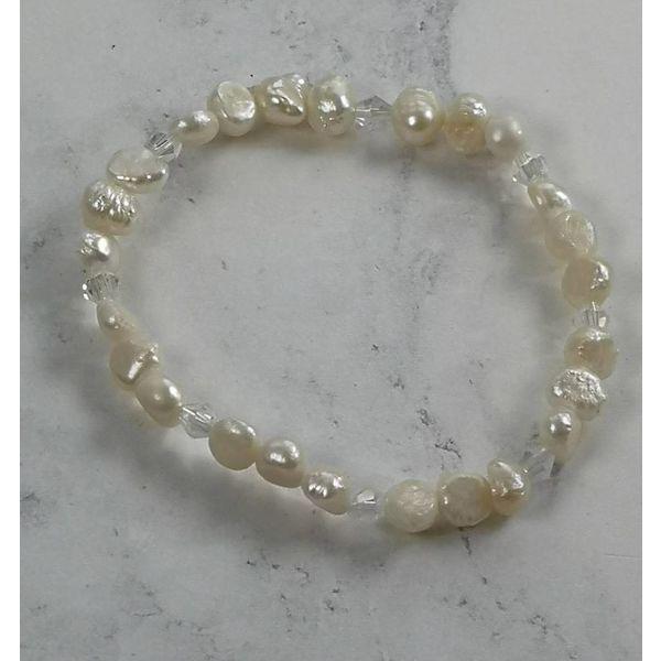 Weißes Perlenarmband 039