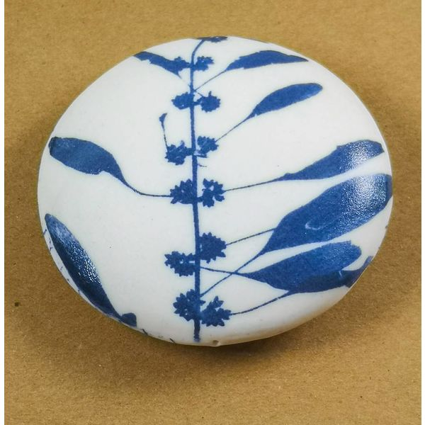 Hand Made Porcelain Smooth touchstone 005