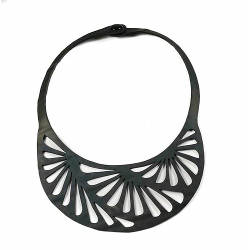 Paguro Seraphine III rubber necklace 007