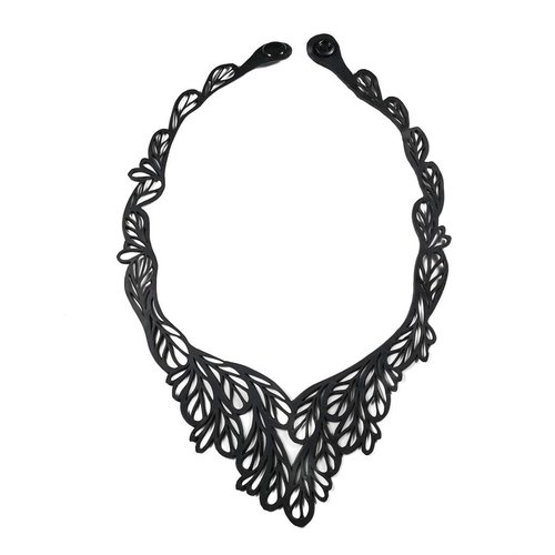 Paguro Fountain rubber necklace