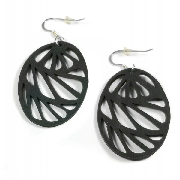 Seraphine rubber earring