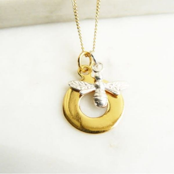 Gold vermeil circle silver bee necklace