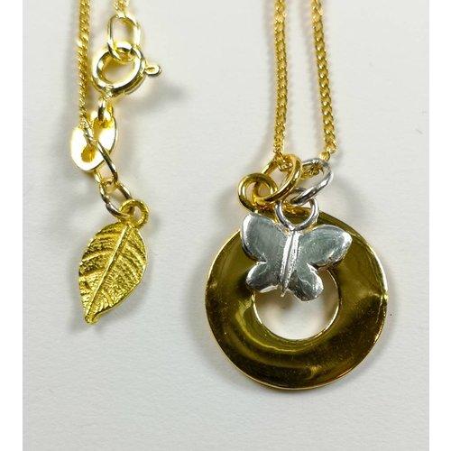 Lime Tree Design Collar de mariposa con círculo de plata vermeil dorado 50