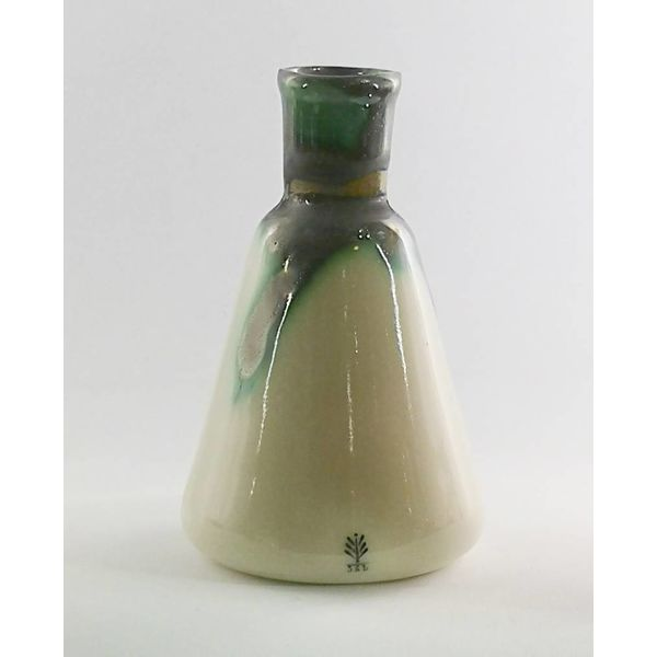 Sitting Toad conical flask ceramic