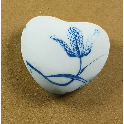 Clare Mahoney Heart Hand Made Porcelain  touchstone 023