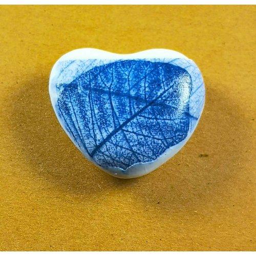 Clare Mahoney Piedra de toque de porcelana hecha a mano de corazón 031
