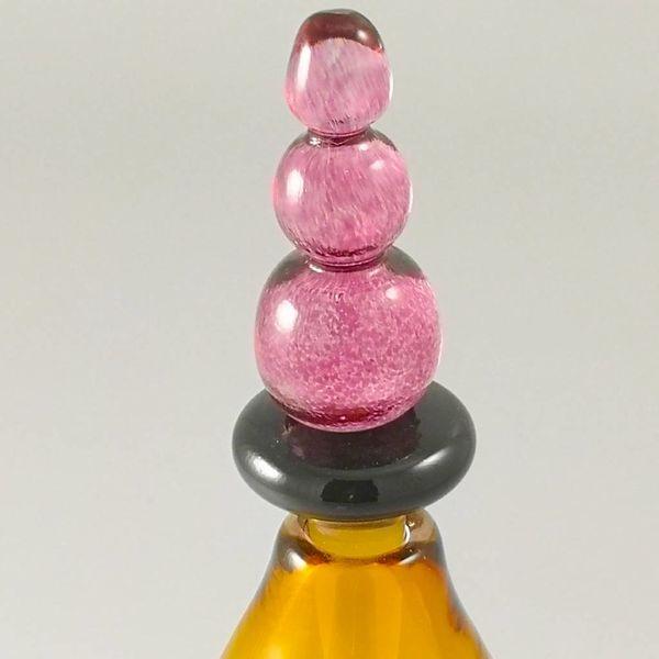 Fun shape scent bottle gold