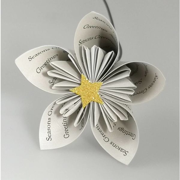 Seasons greetings silver paper flower with star27