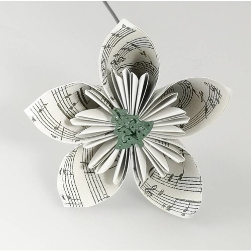 Paris Cheetham Musical silver paper flower with tree 36