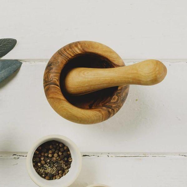 Pestel y mortero de olivo rústico pequeño
