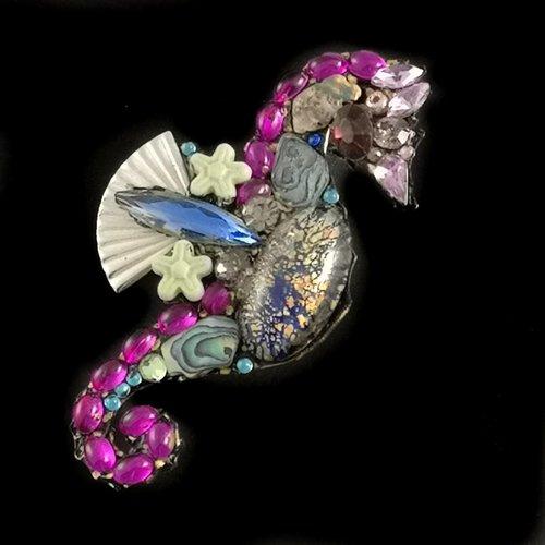 Annie Sherburne Vintage seahorse brooch 100