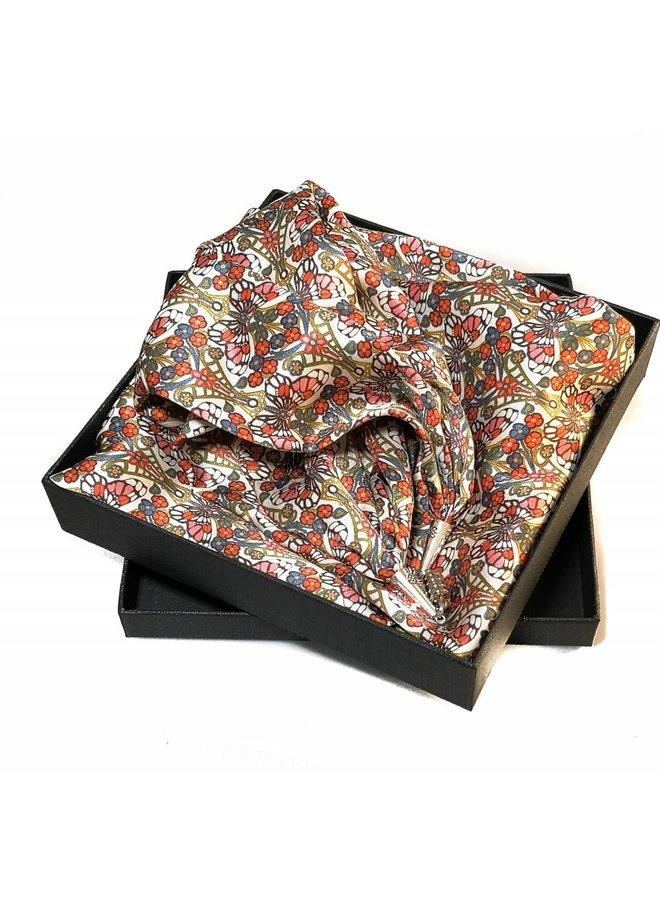 Rosa Morris Satin und Seidentuch mit Magnetverschluss Boxed