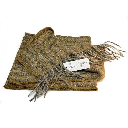 Sarah Tyssen Merino Lambswool long scarf 01